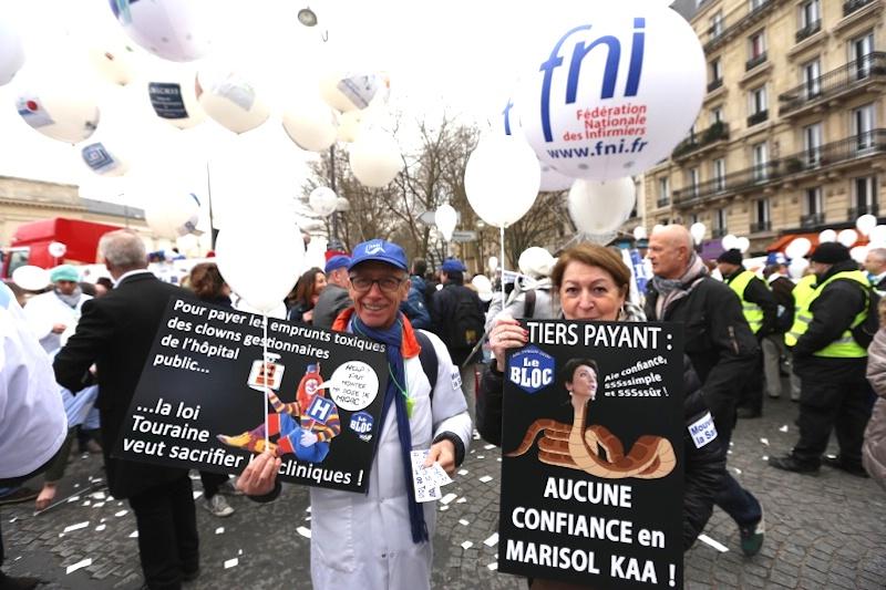 Manifestation des mÈdecins contre la loi santÈ